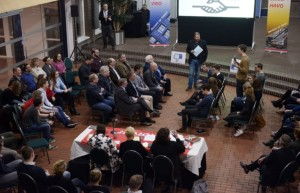 Cambreurdebatteam in debat met gemeenteraad