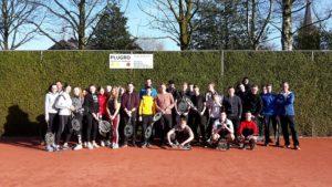 Cambreur krijgt tennisles bij T.C. Bas Dongen