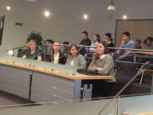 Presentatie onderzoeken Tvwo4 op het Dongense gemeentehuis