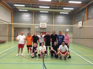 Volleybal wedstrijd leerlingen tegen docenten